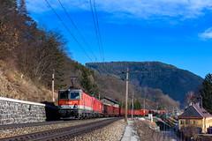ÖBB 1144 011 + 1116 110, Schlöglmühl (Paha Bálint) Tags: öbb1144 öbb siemenstaurus semmering semmeringbahn freighttrain train güterzug austria