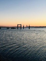 Sonnenaufgang über der Kieler Förde (Frau D. aus D.) Tags: schleswigholstein dampferbrücke winter sky water himmel wasser sunrise sonnenaufgang germany deutschland balticsea ostsee beach strand kiel
