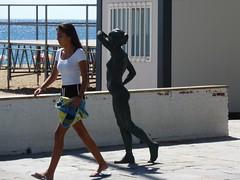 Espagne - Platja d'Aro - Who follows me ? (mda'skaly) Tags: people gens statue street rue ville espagne