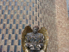 The Knife Angel. P1530926 (Joy Shakespeare) Tags: theknifeangel alfiebradley sculpture knifeangelcampaign coventrycathedral coventry uk britishironworkcentre