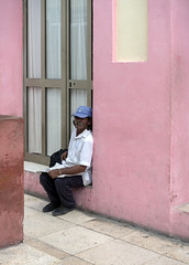 Man in the street. (Gerald Lau) Tags: holguin cuba 2019 street pink people