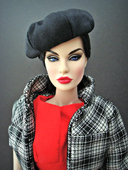 A Fabulous Life Rayna (Deejay Bafaroy) Tags: fabulouslife fashion royalty fr doll puppe barbie integrity toys rayna portrait porträt red rot black schwarz afabulouslife