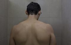 IMG_7472 (Mónica L Ramos) Tags: boy bathroom baño photography fotografia