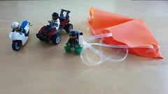 60208 - Polizei Flucht mit dem Fallschirm 03 (-Nightfall-) Tags: lego city 60208 polizei police flucht fallschirm parachute