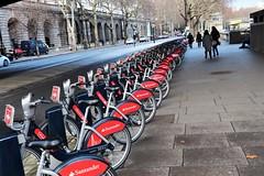 Boris bikes (phileveratt) Tags: santanderbikes borisbikes london waterloobridge victoriaembankment canon eos77d efs18135