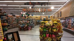 f\owers (Retail Retell) Tags: batesville ms kroger panola county retail 2012 bountiful décor formerly wannabe neon former food world