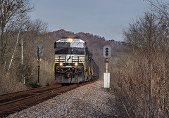 Fort Blackmore (WillJordanPhoto) Tags: csx norfolk southern coal train railroad kingsport ns clinchfield crr