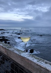 Happy hour at the Monterey Bay (sarahstierch) Tags: montereybay whitewine sparklingwine california