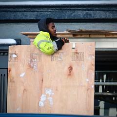 Board at Work (Mondmann) Tags: worker constructionworker laborer construction board georgetown washingtondc usa unitedstates america outside work street streetphotography candid mondmann fujifilmxt20