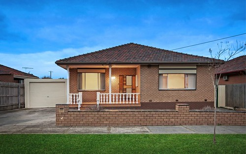 32 Moira Avenue, Reservoir VIC 3073