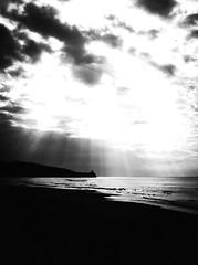 5372 - Capovento (Diego Rosato) Tags: headland promontorio golfo gulf mare sea beach spiaggia backlight controluce gaeta piana santagostino nuvole clouds fuji x30 rawtherapee italia italy