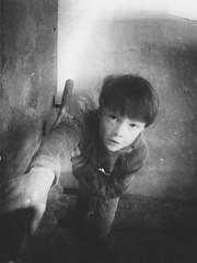 (Pea Jay How) Tags: portrait bw blackandwhite monochrome mono grainy grain blurred blurry stairway stairs boys child