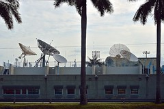 National Hurricane Center (ACEZandEIGHTZ) Tags: building bunker nikon d3200 miami florida noaa trees sky satellitedishes