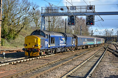 37423 t&t 37407 - Norwich - 09/03/19. (TRphotography04) Tags: direct rail services drs 37423 spirit lakes classmate br large logo 37407 arrive norwich with 2p21 1317 great yarmouth service