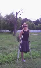 amp-1796 (vsmrn) Tags: amputee woman crutches onelegged