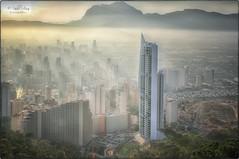 (025/19) Benidorm en la bruma (Pablo Arias) Tags: pabloarias photoshop ps capturendx españa photomatix nubes cielo arquitectura benidorm edificio bruma niebla alicante