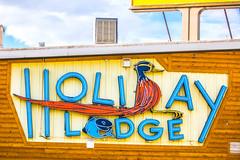 Holiday Lodge (Thomas Hawk) Tags: america holidaylodge usa unitedstates unitedstatesofamerica wyoming motel neon neonsign lander us fav10 fav25 fav50