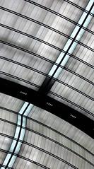 Diagonale contrariée... Plafond de l'Opéra Bastille (Sokleine) Tags: diagonale lines curves ceiling plafond opéra operahouse ott bastille architecture paris 75011 france contemporary