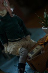 eat & work (tarengil) Tags: dollmore zaoll zaolluv bjd abjd diorama cute fluffy pinkhair whiteresin basicwhite teal sweet kawaii bjdgirl balljointeddoll asiandoll