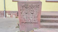 Hintere Judengasse in Worms 22.9.2018 4082 (orangevolvobusdriver4u) Tags: archiv2018 2018 deutschland germany worms hinterejudengasse hintere judengasse 1928 skulptur sculptur rheinlandpfalz