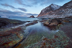 haukland in the morning (cfaobam) Tags: beach norway norwegen fjord water wasser stein stone landscape landschaft lofoten europe europa nature national geographic cfaobam langzeitbelichtung longexposure color travelphotography travel magiclight sunrise sonnenaufgang deepnorth haukland cfaobamhome globetrotter outdoor meer deep north nofeenocontent