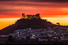 En llamas - Almodóvar del Río (LpuntoQpunto) Tags: almodóvardelrío atardecer castillo sunset epic córdoba anda andalucia spain españa castle gameofthrones juegodetronos