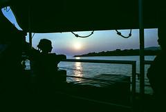 86-06 sonunt elba I fähre pers szene sp06-093 (ulrich kracke (many thanks for more than 1 Mill vi) Tags: i elba fähre geländer people reflektion silhouette sonnenuntergang szene cof060 peoplepanoramic cof060dmnq cof060mari cof060mark cofo60 nico