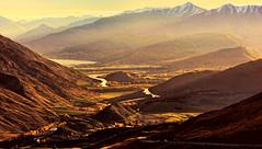 Crown Range Road (Miradortigre) Tags: newzealand otago region queenstown lanscape paisaje paiasgem atardecer sunset valley valle sol puesta de por tramonto montañas mountains nuevazelanda