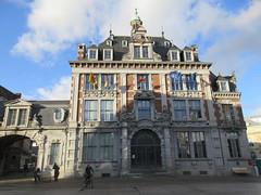 Bourse, late afternoon at Place d'Armes, Namur, Belgium (Paul McClure DC) Tags: belgium belgique wallonie wallonia feb2018 namur namen ardennes historic architecture