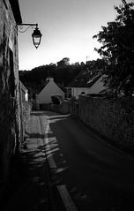 Auray (bingley0522) Tags: leicam2 canon35mmf20ltm tmax400 hc110h epsonv500scanner auray bretagne france street eveninglight ordinarythings commonplacethings autaut