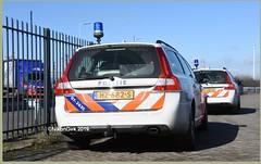 Dutch Police Volvo 07-2635. (NikonDirk) Tags: dutch traffic police rotterdam rijnmond politie nikondirk mercedes bmw bike nederland netherlands holland nikon cop cops hulpverlening trafficpolice verkeers verkeerspolitie 518 cdi motorbike motor motorcycle numansdorp a29 cycle k1600 verkeer foto r1200 rt lc bicycle race course v70 hz681s hz682s
