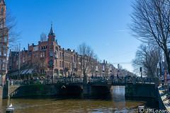 AMSTERDAM A LA LUZ DEL DIA (EXPLORE) (josmanmelilla) Tags: amsterdam holanda sol sony dia agua azul pwmelilla pwdmelilla flickphotowalk pwdemelilla