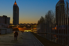 Lovers at dusk (lebre.jaime) Tags: portugal lisbon riverside nikon d600 afsnikkor5018g digital dusk people lovers