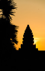 Rocket ship temple (Cédric Nitseg) Tags: nikon asie siemreap outdoor orange greelow travelling backpacking sun backpacker sunrise travel levédesoleil soleil cambodge silhouette voyage d7000 asia temple cambodia angkorwat