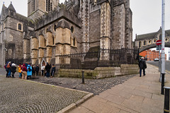CHRIST CHURCH CATHEDRAL [ TODAY I USED A 15mm VOIGTLANDER LENS]-149896 (infomatique) Tags: christchurch churchofireland cathedral church norman historic religion dublin ireland streetsofdublin williammurphy infomatique fotonique excellentimages streetphotography sony voigtlander a7riii 15mmlens wideanglelens
