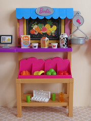 Grocery Store (BackToTheChildhood80) Tags: barbie doll mattel dreamhouse susy brown blond teresa store playset