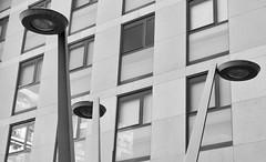 A la Placeta Joan Brossa, Carrer de Rosselló 191, Barcelona. (heraldeixample) Tags: heraldeixample bcn barcelona spain espanya españa spanien catalunya catalonia cataluña catalogne catalogna arquitectura architecture architekture pensaernïaeth 架构 arkitektur architettura สถาปัตยกรรม arkitettura fanal farol lantern lanterne laterne lanterna lampione фонарныйстолбngc 灯柱 ngc albertdelahoz