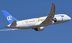 Barcelona-El Prat. LEBL. (Josep Ollé) Tags: boeing airport aeropuerto despegue departure departing ecmlt ascenso salida pasajeros avión aircraft