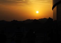 Weihrauchland Oman - Muscat City (Helmut44) Tags: oman orient muscat golfvonoman hafen port portsultanqaboos harbour sonnenuntergang sunset gebirge hajargebirge abend abendstimmung evening