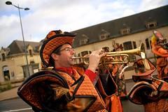 DSC05881 (Distagon12) Tags: portrait personnage people sonya7rii summilux wideaperture dreux défilé parade fête flambarts fêtesderue