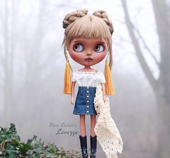 The noise in the fog ☁️ (pure_embers) Tags: pure laura embers blythe doll dolls custom photography uk england girl pureembers tiina lavazza emberslavazza septum piercing portrait tan cherrybeachsunset fog foggy bright