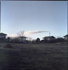 (✞bens▲n) Tags: hasselblad 500cm ektacolorgold160 carl zeiss 80mm f28 film analogue 6x6 landscape winter cloud houses japan miyota nagano