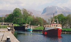 Banavie lock & Ben Nevis. 1974 (M McBey) Tags: scotland bennevis mountain banavis lock canal fortwilliam boat waterway shore nikkormat 50mm kodachrome