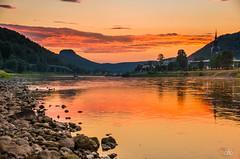 Summer evening in Saxon Switzerland II, 2018 (Uwe Kögler) Tags: saxony sachsen sächsischeschweiz sunset sonnenuntergang himmel sommer deutschland dämmerung elbsandsteingebirge elbe badschandau fluss landscape landschaft lilienstein germany
