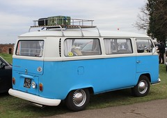 YRD 452K (Nivek.Old.Gold) Tags: 1971 volkswagen danbury camper 1584cc earlybay