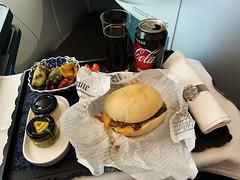 KL_flight_24 (chiang_benjamin) Tags: klm skyteam businessclass food meal aviation avgeek burger beef sandwich luxury
