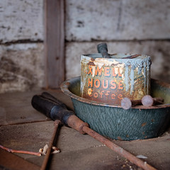 Good to the Last Drop (jtr27) Tags: dscf3919xl jtr27 fuji fujifilm xe2s xf 50mm f2 f20 rwr wr maxwellhouse coffee can paint abandoned house home newhampshire nh newengland