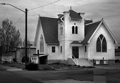 Green River Bible Church (arbyreed) Tags: arbyreed church christianchurch biblechurch greenriverbiblechurch greenriver emerycountyutah monochrome bw blackandwhite woodenchurch architecture churcharchitecture clapboard
