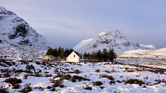 Lagangarbh cottage (andrewmckie) Tags: lagangarbhcottage glencoe rannochmoor mountains scotland scottish scottishscenery scenery