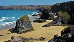 Bedruthan Steps (Mike.Dales) Tags: bedruthansteps nationaltrust northcornwall beach seastacks atlantic ocean cliff cornwall england fujihs10 carnewas